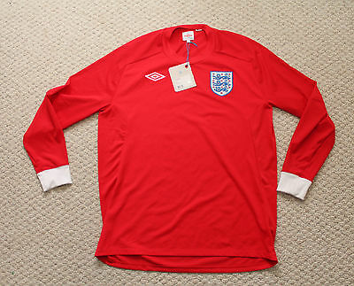 NWT Umbro England Soccer Jersey - Mens 44 - Red