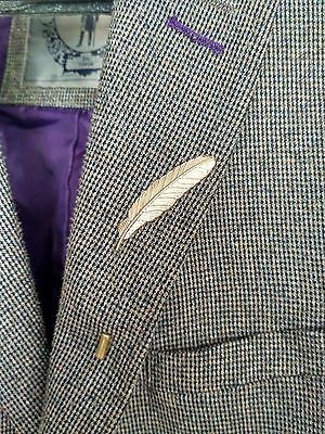 Silver Grey Feather LAPEL PIN Badge Suit Jacket Mens Gents Fashion Style