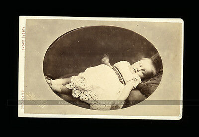unusual cdv photo dying or sick child motion blur - post mortem / premortem int