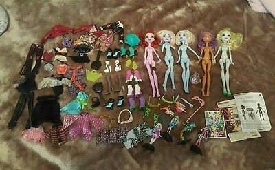 Bulk lot Monster High Dolls Incl mini Monsters . Clothes shoes and accessories