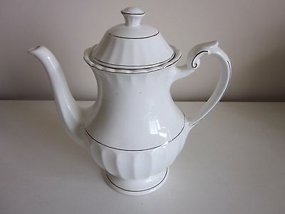 J & G Meakin Classic White Coffee/Teapot made in England
