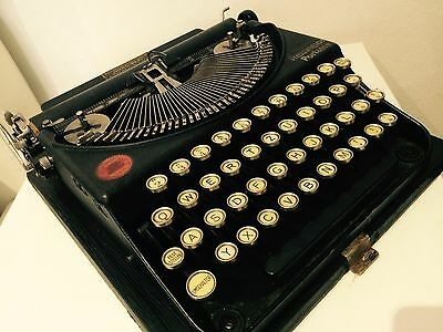 Remington Typewriter Portable 1924