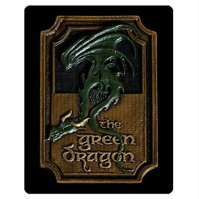 The HOBBIT LOTR Official The GREEN DRAGON Hobbiton PUB Sign Magnet WETA