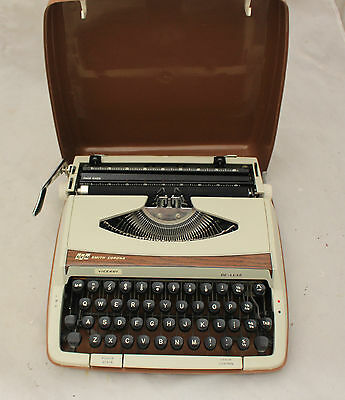 Vintage 1970s Smith Corona viceroy Portable Typewriter Case -250