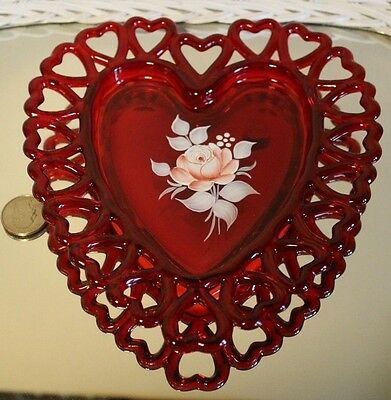 Westmoreland Red Lattice Trimmed Hearts Heart Shaped Dish Signed By Artist