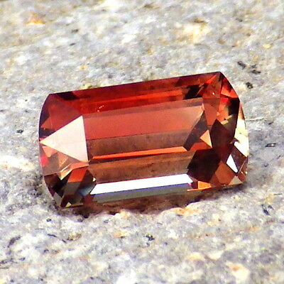 RED SCHILLER OREGON SUNSTONE 1.86Ct FLAWLESS-FORM PANA MINE-FOR TOP JEWELRY!!