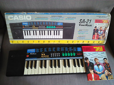 Casio Sa-21 New Kids On The Block. Buen Estado. Incluye Caja Y Libreto.