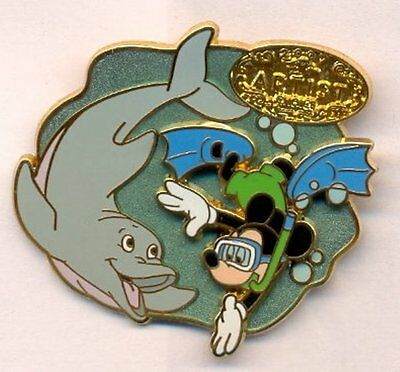 Disney Mickey Snorkling with Dolphin Cruise Line Artist Choice LE Pin Rare