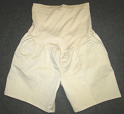 NWOT Liz Lange Maternity Tan/Khaki Shorts M Soft Wide Full Waist Panel