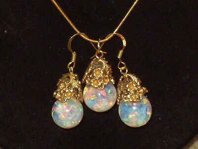 Beautiful  Floating Opals Snow Globe Pendant And  Earrings 18K Gold Plate