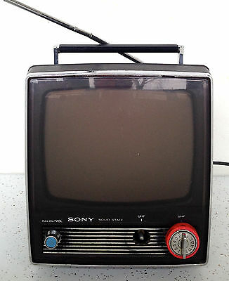 """Vintage Sony Solid State TV Portable Travel Television 11"""" Old School 77782"""