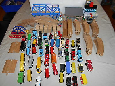 Thomas Wooden Railway Compatible Track & Acc. 100  Pieces  Gc1