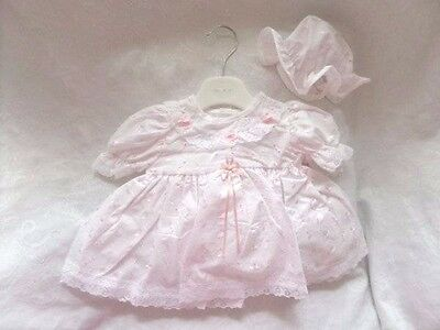 Stunning 12-18 Months White Broderie Anglaise Dress Set