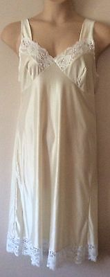 "Vintage High Quality Cream Full Slip / Petticoat Size 12/14 45"" Length"