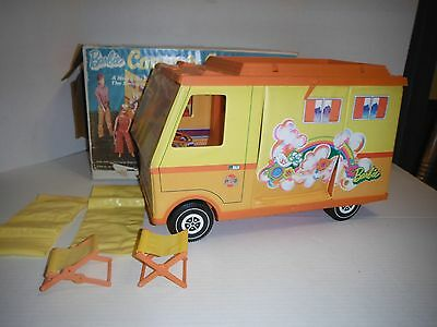 BARBIE COUNTRY CAMPER RV MOD WINNEBAGO VINTAGE 1970 w/ KEN DOLL & ACCESSORIES