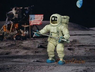 Apollo 11 Lunar Landing Space Astronaut Neil Armstrong 1:18 Figure Model K1176 B