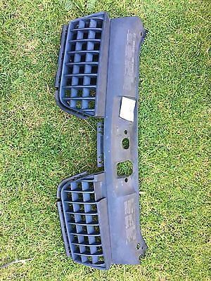 Renault Clio Sport 2000-2005 2.0 182 / 172 front honeycomb bumper grille grill