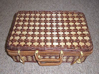 NEW Wicker Picnic Hamper Basket Afternoon Tea Box