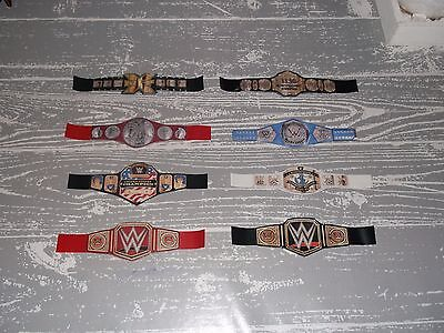 Lot 8 mini ceintures WWE pour figurines de catch