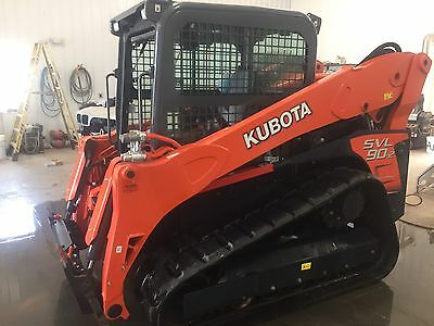 2015Kubota Svl90-2 HFC  track skid steer   ONLY 38 HOURS