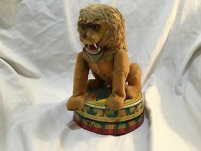 Circus Lion Battery Operated Toy 1950's VIA Japan
