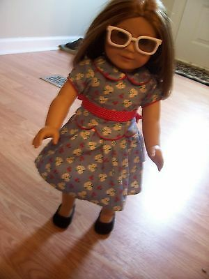 18 In American Girl Doll Emily   Clothes  Free Adarondex Chair Ottoman  & Table