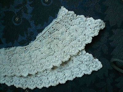 Beautiful Antique Victorian Embroderie Anglais ? Collar Heavily Embrodered NR