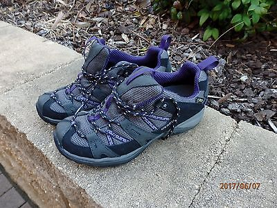 Merrell Ladies size 8US as new condition Grey/purple walking/hiking shoes