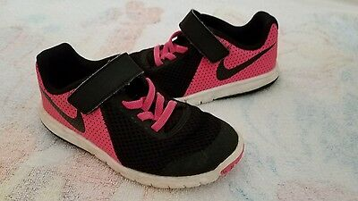 Girl's Nike shoes little kids size 11C
