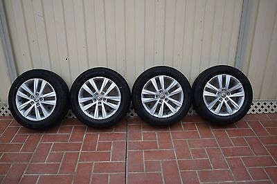 """4X  Genuine Vw Alloy Wheels 15""""  With Tyres"""