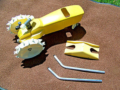 Thompson Nelson Watering Tractor Traveling Lawn Sprinkler Yellow Complete set