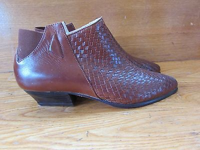 Womens Shoestrings Woven Leather Ankle Boots Shoes Size 5.5 Brown