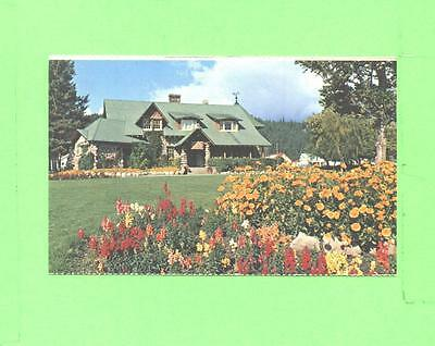 J Postcard Adninistration Buildings And Flower Gardens Canadien Rockies