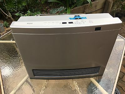Rinnai Avenger 25 Convector SILVER LPG Gas Heater With Remote