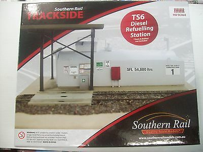 SOUTHERN RAIL HO DIESEL REFUELLING STATION (track & ballast not included)