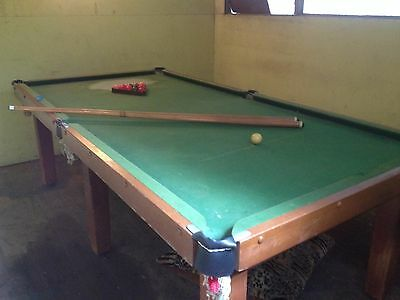 Pool Table 8FTx4FT - INCLUDES CUES & BALLS - PICKUP THORN BURY OR DELIVERY w/fee