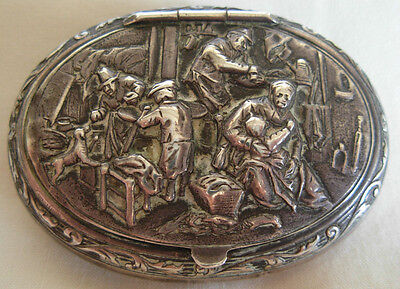 ANTIQUE DUTCH EMBOSSED SILVER SNUFF BOX , HOLLAND  - 39.8 grams
