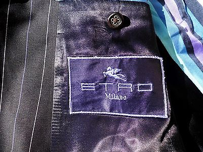 Beatiful men's suit by ETRO Milan, 100% extra fine Wool, made in Italy, Size 52R