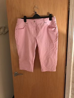 Green Lamb Pink Ladies Golf Cropped Trousers