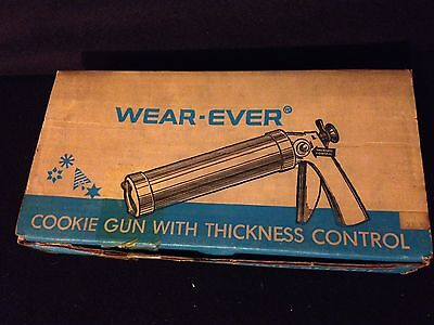 Wear-Ever Trigger Cookie Gun Press Pastry Decorator w Thickness Control NEW