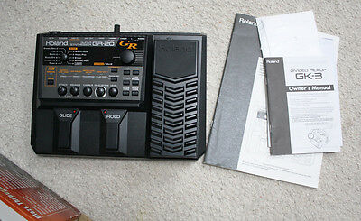 GR-20 Roland Guitar Synthesizer with Pickup