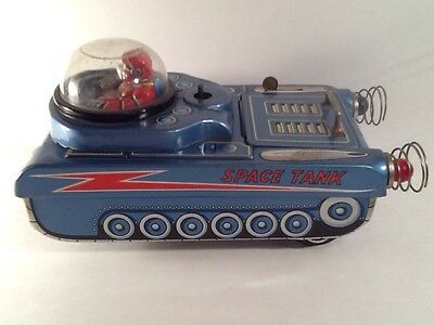 1950's M-18 Space Tank by Modern Toys Japan