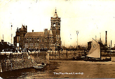GLAMORGAN - Fine Postcard of Bandstand Area, Roath Park,, CARDIFF - Posted 1906