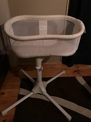 Halo Swivel Sleeper Baby Bassinet As NEW