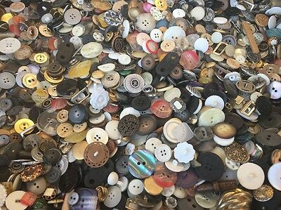 HOT MIX! 100 pcs MIXED LOT of OLD-VINTAGE & NEW Buttons ALL TYPES & SIZES