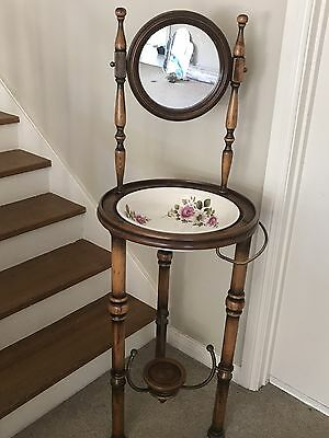 Antique Style Washstand