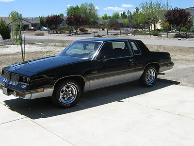 1985 Oldsmobile 442  1985 oldsmobile cutlass salon 442, , black and silver w/burgandy int.