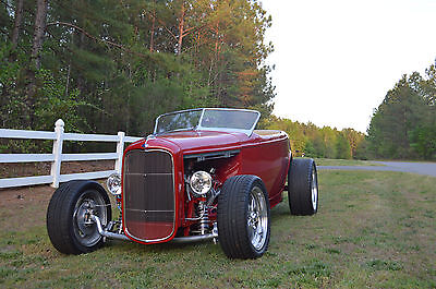 1932 Ford Roadster convertible 1932 Ford Roadster,350 /400 Hp, 700 R