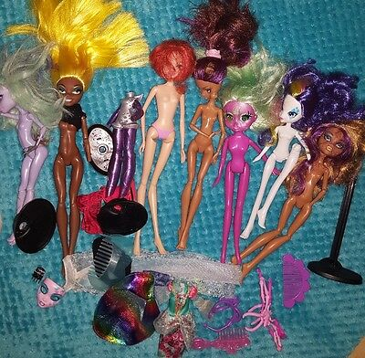 bundle of monster high dolls clothes accessories etc