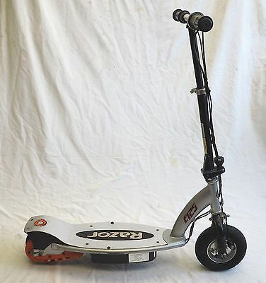 Razor Electric Motor Scooter E125 No Battery Charger Unknown Working Condition